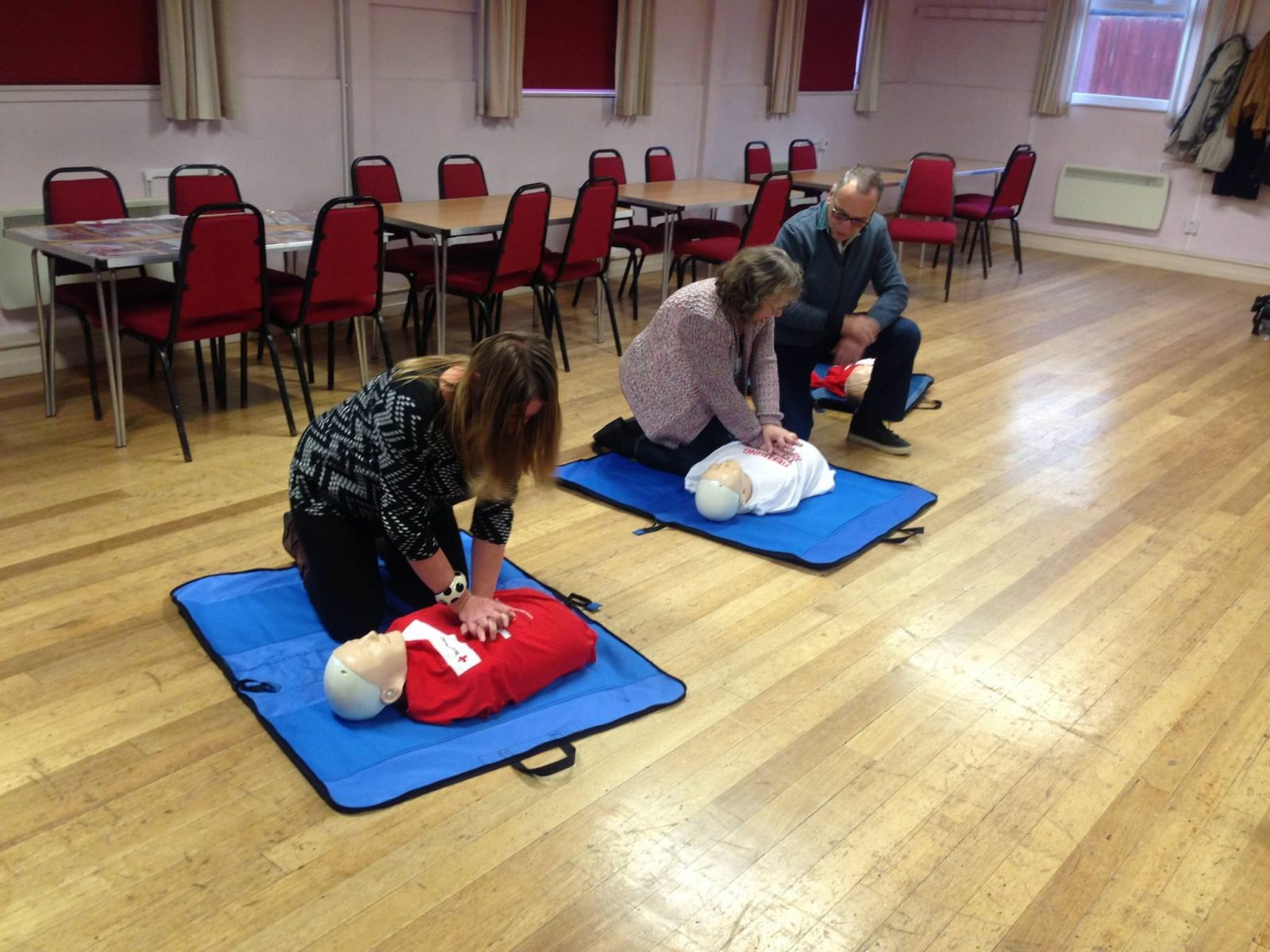 Volunteers at the Paediatric First Aid Training | Home ...